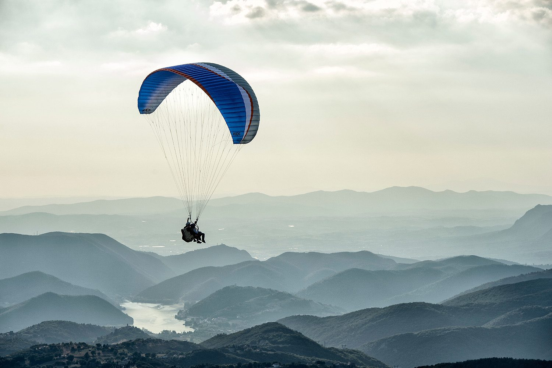 Volare in parapendio, avventura, Italia